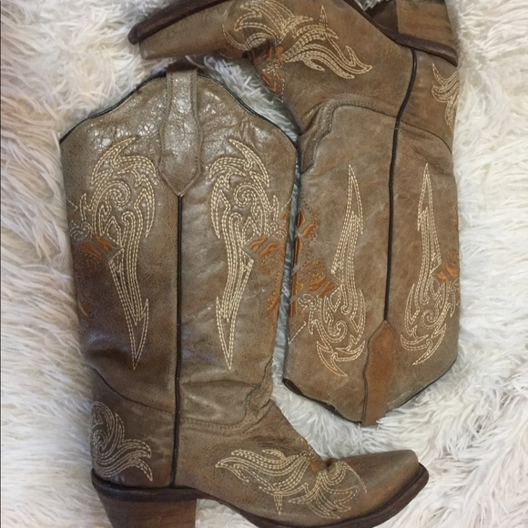 Final Price Embroidered Cowboy Boots